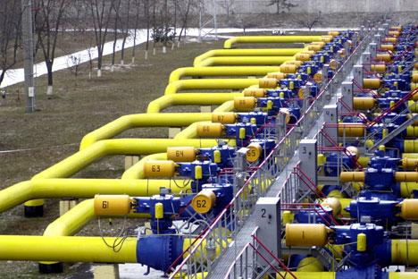 Москва во последниве 4 години ја субвенционираше економијата на Украина за сметка на намалената цена на гасот и ѝ даваше други повластици во вредност од 35.4 милијарди долари. Извор: АР.