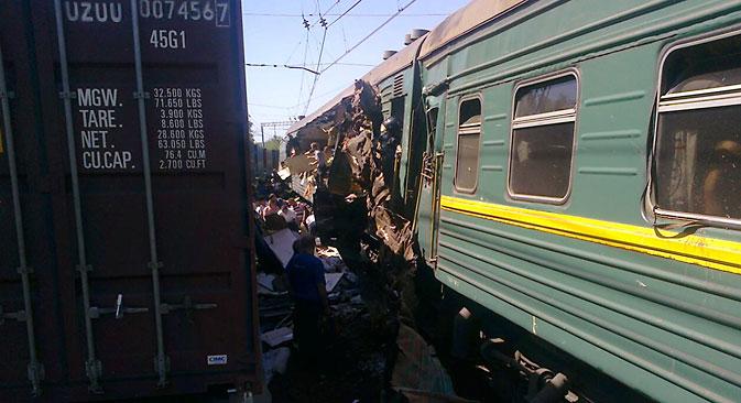Возот кој следуваше по маршрутата Москва-Кишинев се судри со товарен воз на 80 километри од Москва. Извор: Ројтерс.