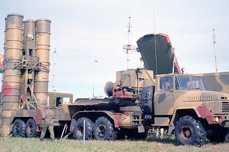 Москва и Техеран во 2007 година потпишаа договор за испорака на системите С-300. На фотографијата: С-300 ПМ. Извор: mil.ru.