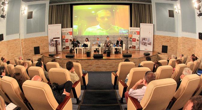 """Претставниците на најголемите светски весници се собраа во Москва на 26 и 27 јуни на петтата средба на партнерите на проектот Russia Beyond the Headlines, во кој влегува и """"Руска реч на македонски""""."""