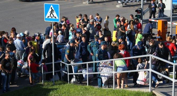 Анатолиј Кузнецов: На пограничната територија на Русија во моментов се наоѓаат 414.726 лица. Исто така 20.461 лице веќе имаат побарано привремен азил. Извор: ИТАР-ТАСС