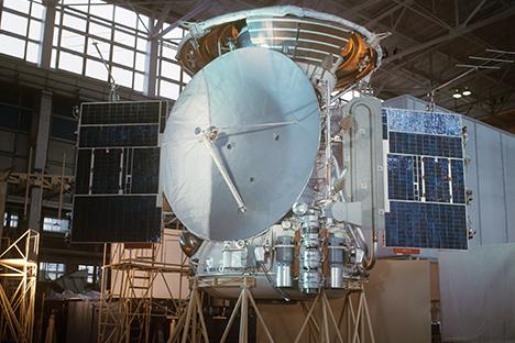 Московска област. Меѓупланетарната автоматска станица Марс-3 во изработка. 1971 година. Извор: Б.Борисов / ТАСС