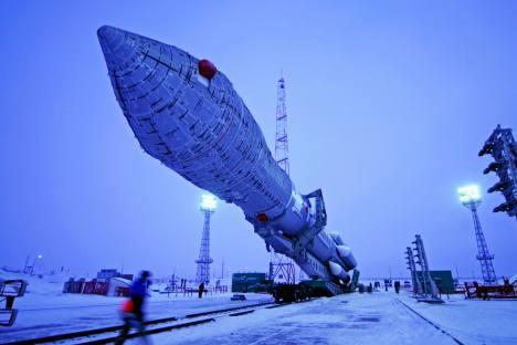 """Ракета носач """"Протон-М"""" са три ГЛОНАСС сателита на космодрому """"Бајконур"""" у Казахста-ну. Извор: ИТАР-ТАСС."""