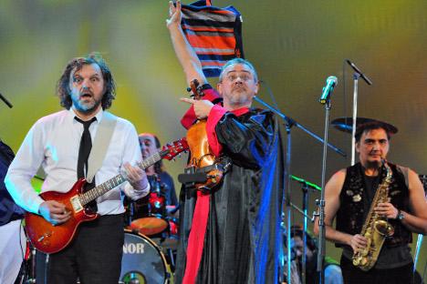 Музика и филмови Емира Кустурице су све популарнији међу руским балканофилима. Извор: Комерсант.