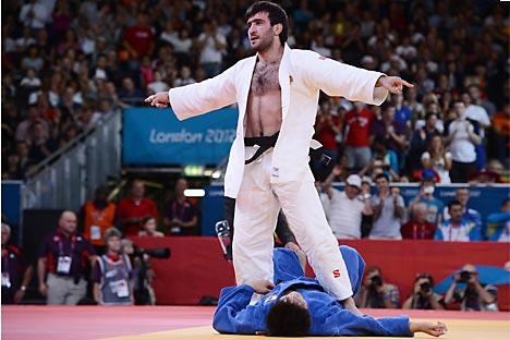 Мансур Исајев осваја злато за Русију на Олимпијади у Лондону. Извор: Getty Images / Fotobank.