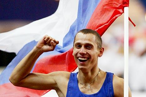 Јуриј Борзаковски прославља олимпијску победу. Извор: Ројтерс.