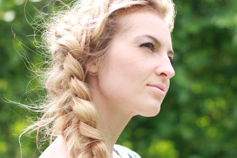 """Tranças são a nova moda de Moscou, desde que feitas """"para fora"""" Foto: Lori / Legion Media"""