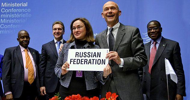 Преговорите околу влезот на Русија во Светската трговска организација траеја повеќе од 15 години. Протоколот за влез е потпишан на 16 декември 2011 во Женева. Извор: AFP/EastNews.