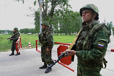 Од 1200 учесника мировне мисије у Придњестровљу, 400 су држављани Руске Федерације. Становништво не жели њихово повлачење. Фотографија: Сергеј Куксин / Росијска газета.