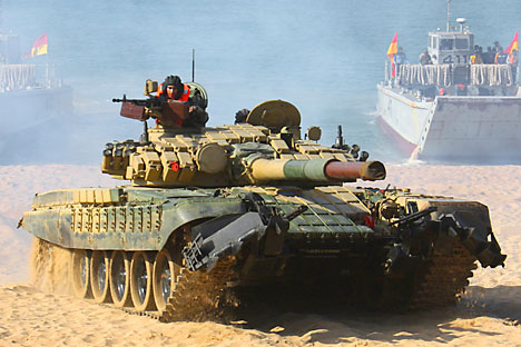 """Основниот борбен тенк T-72 ги произведува """"Уралвагонзавод"""" од Нижни Тагил (Урал)."""