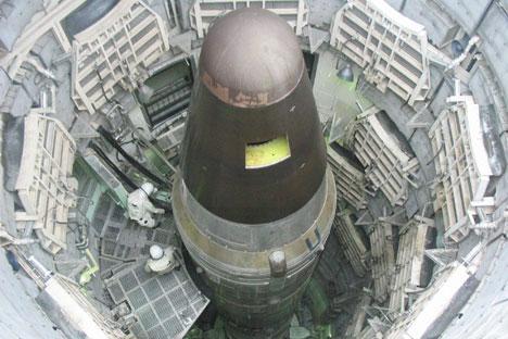 """Руска тешка балистичка ракета Р-36М2 """"Војвода"""", на Западу позната под називом """"Сатана"""". Из слободних извора."""