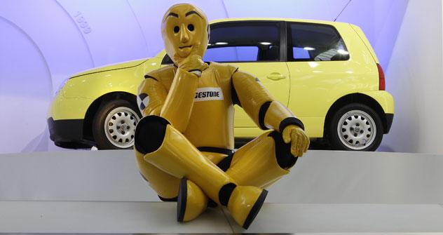 Робот за воланом није новост. Међутим, руски инжењери су се концентрисали на то да он буде доступан свакоме. Извор: Reuters.