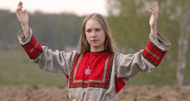 Марија Архипова: врела словенска крв и гласник предака. Извор: arkona-russia.com.