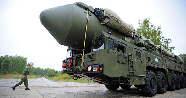 Путин: Војно-технички одговор Русије на глобални амерички систем противракетне одбране, и на његов сегмент у Европи, биће ефикасан и асиметричан. Извор: Росијска газета.