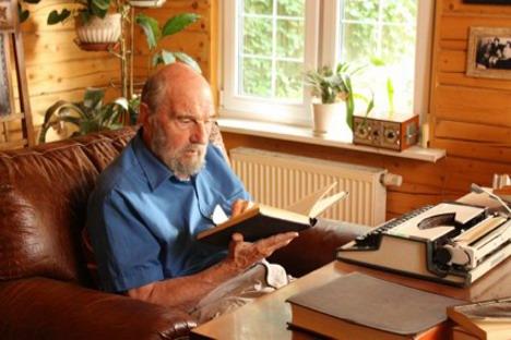 Џорџ Блејк, у Русији познат као Георгиј Иванович, у свом дому у околини Москве. Извор: Спољна обавештајна служба Руске Федерације / svr.gov.ru.