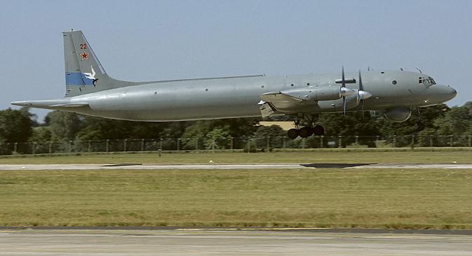 Противподморнички авион Ил-38 на авио-митингу Royal International Air Tattoo 1996. Фотографија: Mike Freer.