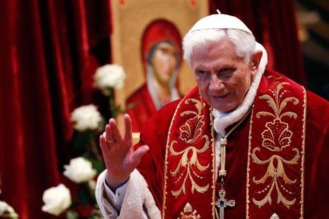 """РПЦ: Одлука Бенедикта XVI да напусти папски престо представља """"чин личне одважности и смирења"""". Извор: Reuters."""