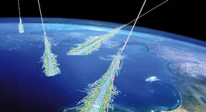 Већи део космичких таласа ниске енергије долази са Сунца, док порекло високоенергетских таласа за сада остаје тајна. На илустрацији: Земља под утицајем високоенергетских космичких таласа. Извор: НАСА.