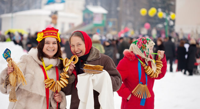 """""""Шта је живот без масленице"""": Масленица је током многих векова сачувала карактер свеопштег весеља и та традиција се продужава и у савременој Русији. Извор: Lori / Legion Media."""