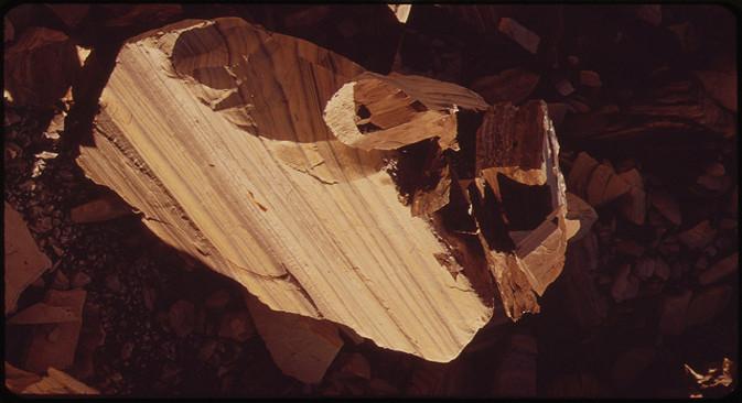 Уљни шкриљац из Колорада. Фотографија: U.S. National Archives. Из слободних извора.