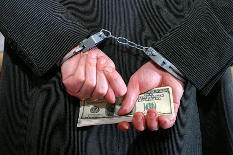 Почетком маја ове године парламенту је предложено да објави амнестију за 100 хиљада бизнисмена, починилаца 50 различитих кривичних дела која потпадају под финансијски криминал. Извор: PhotoXPress.