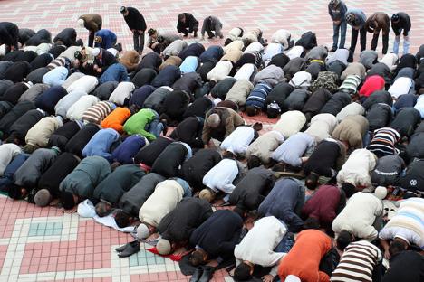 Оснивање политичког покрета омогућава младим следбеницима салафизма да бирају између придруживања екстремистичким групацијама по шумама или да постану део званичне организације. Извор: Росијска газета.
