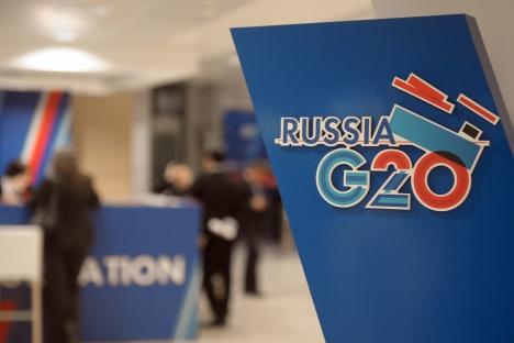 """Састанак Г-20 у Москви показао је да у групи постоји решеност да се затворе законске рупе које допуштају крупним компанијама да избегну плаћање пореза, због чега државе на годишњем нивоу губе стотине милијарди евра. Извор: РИА """"Новости""""."""