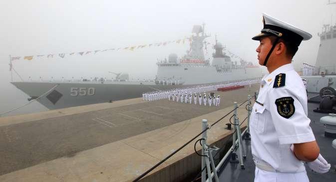"""Како се наводи, један од циљева вежбе је """"даљи развој и учвршћивање пријатељских односа између ратних морнарица Русије и Кине"""". Извор: РИА """"Новости""""."""