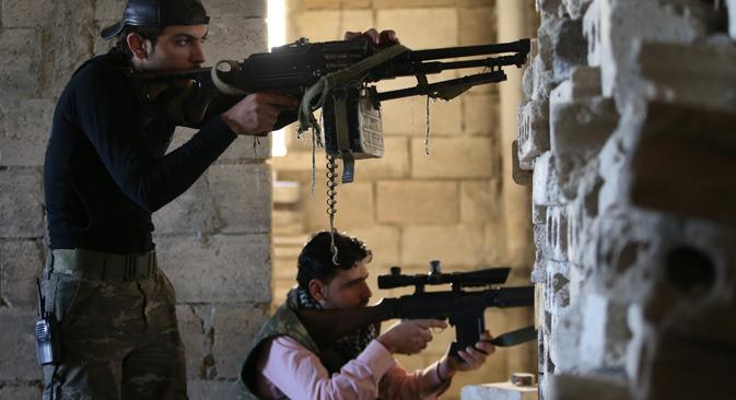 За врбовање Чечена задужени сз главни идеолози чеченских екстремиста који се сада налазе у Сирији. Они се тамо боре на страни опозиције. Извор: AP.