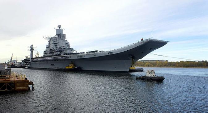 """Носач авиона """"Викрамадитја"""" (модернизовани """"Адмирал Горшков"""") има депласман од 45.000 тона и развија максималну брзину од 32 чвора. Може да плови 13.500 морских миља (25.000 километара) брзином од 18 чворова. Фотографија из слободних извора."""
