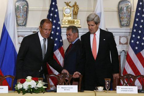 Државни секретар САД Џон Кери и шеф Пентагона Чак Хејгел по завршетку сусрета са својим руским колегама Лавровом и Шојгуом нису нашли за сходно да дају било какав коментар. Извор: AP.