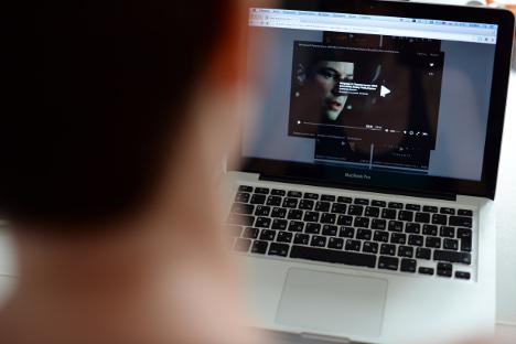 """Циљ новог закона против пиратерије на Интернету је да пракса са ове фотографије постане реткост. Извор: РИА """"Новости""""."""
