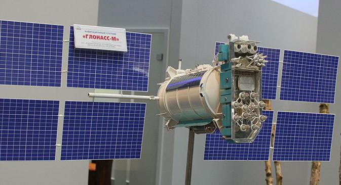 """""""ГЛОНАСС-М"""", један од сателита руског сателитског навигационог система ГЛОНАСС. Ови сателити чине Русију независном од америчког GPS-a, али су рањиви у случају сукоба. Улога двојника ГЛОНАСС-а у случају рата треба да буде дата систему """"Скорпион"""". Фотографија из слободних извора."""