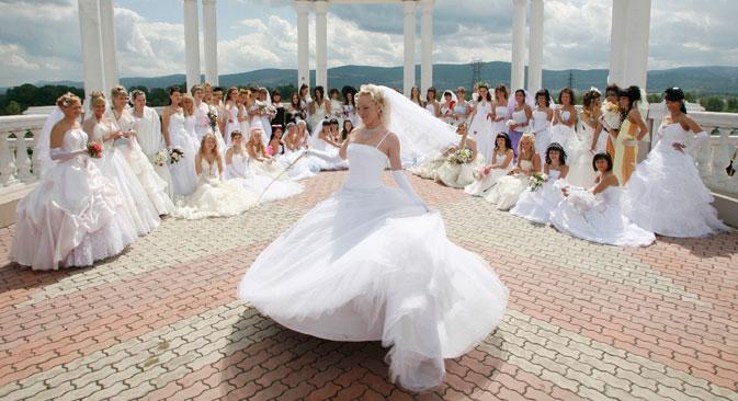 Савремена руска свадба истиче пре свега посебност одређеног пара. Извор: Reuters.