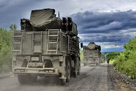 """Данас """"Панцир-С"""" представља покретни објекат од 30 тона на шасији КамАЗ-а 6560 (8х8) са посадом од четири члана. Извор: mil.ru."""