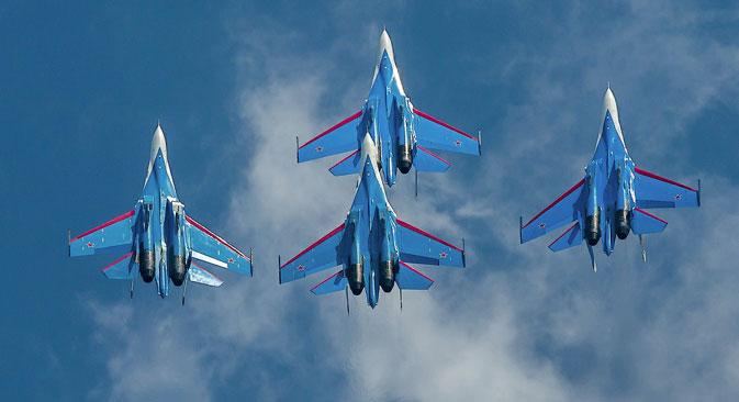 """""""Руски витези"""" ће показати своје вештине последњег дана изложбе МАКС-2013. Извор: Министарство одбране РФ / mil.ru."""