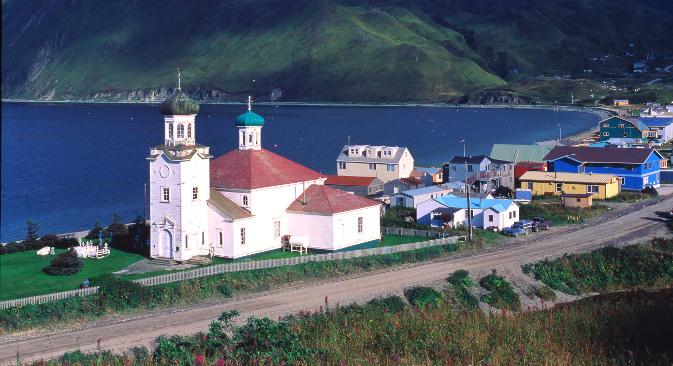 Први стални становници Ниниљчика били су руски колонисти који су се 1847. преселили са острва Кодијак (Алеутски архипелаг). На слици: данашњи амерички Ниниљчик, са православном црквом Преображења Господњег. Извор: Alamy / LegionMedia.