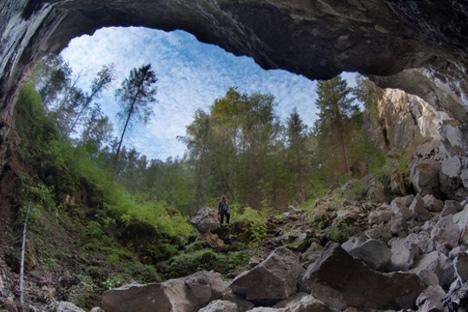 Кунгурската пештера е составена од вкупно 48 галерии. Секоја од нив има своја приказна и уникатен назив. Пештерата годишно ја посетуваат околу 90.000 лица. Извор: Getty Images.