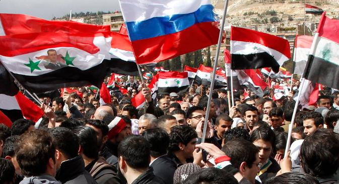 """Башар Асад подстиче Запад да се јавно определи између присталица """"политичког ислама"""", привржених Ал Каиди, који су главни протагонисти 30-месечног рата у Сирији, и умерених """"световних националиста"""", са којима је он спреман да тражи заједнички језик. Извор: Reuters."""