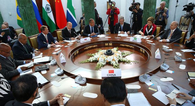 Лидери земаља чланица БРИКС-а на састанку у оквиру самита Г-20 у Санкт Петербургу, септембар 2013. Извор: ИТАР-ТАСС.