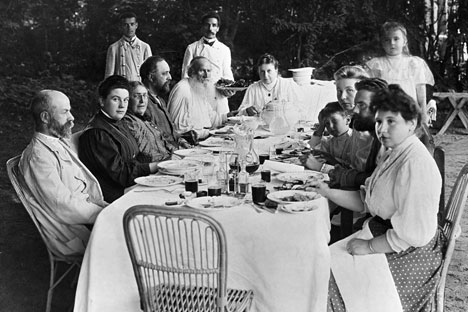 Nakon duhovne preobrazbe oca obitelji, uobičajene kulinarske navike Tolstojevih znatno su se promijenile. Izvor: RIA Novosti