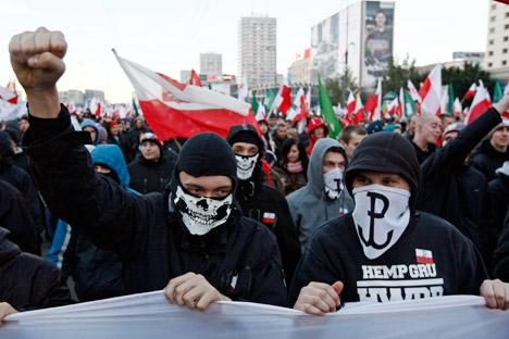 """Кулминација """"Марша независности"""" у Варшави био је напад учесника на амбасаду Русије. Извор: Reuters."""