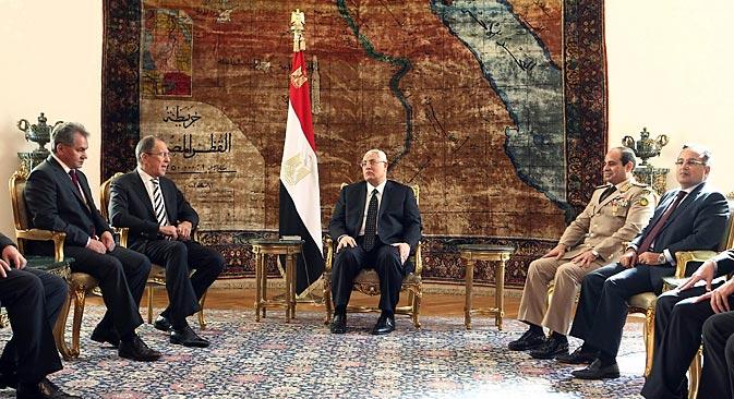 Египатски министар спољних послова Набил Фахми: Русија има превелику тежину да би било коме била замена. Извор: Reuters.