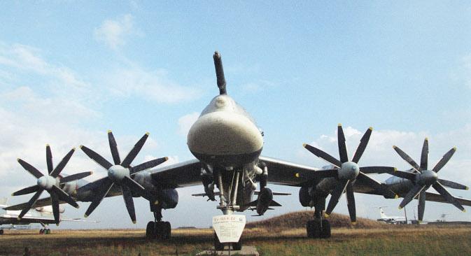 Конструкција елиса и велика снага мотора чинили су да је Ту-95 постао један од најбучнијих авиона на свету – њега детектују чак и хидроакустички системи подморница. Извор: ИТАР-ТАСС.