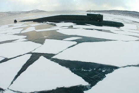 """Средства за разбијање леда које подморнице данас поседују не омогућавају им да изроне брзо и без оштећења трупа. Фотографија: РИА """"Новости""""."""