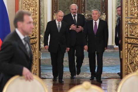 Председници економски најуспешнијих чланица бившег СССР-а, Русије, Белорусије и Казахстана, донели су 2007. одлуку о формирању Царинске уније. Извор: Росијска газета.