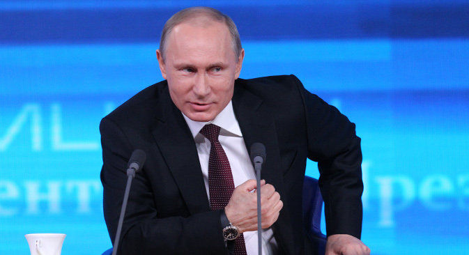 """Владимир Путин сматра да демонстранти у Кијеву """"једноставно нису читали нацрт Споразума о асоцијацији Украјине са ЕУ"""". Извор: Росијска газета."""