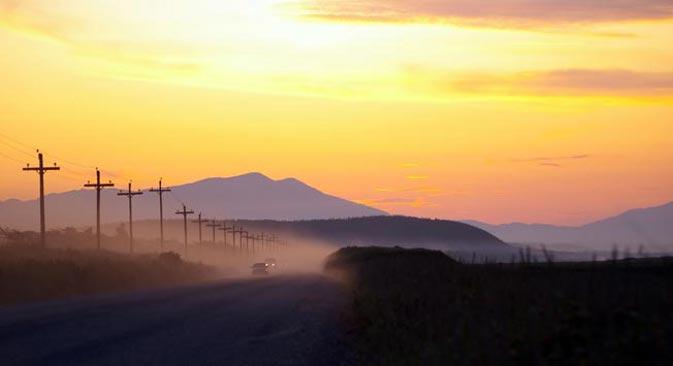 Сахалински путеви. Тихоокеанско острво Сахалин, које се налази веома далеко од Москве, ипак представља квинтесенцију Русије. Извор: Lori Images.