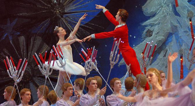 """Чајковски је кроз балет """"Крцко Орашчић"""" унео динамику и развој ликова и музичких тема,начинивши натај начин велики корак ка музици двадесетог века. Извор: photas.ru"""