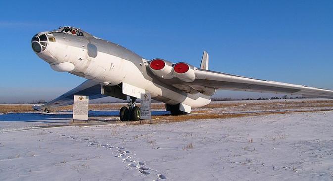 М-4 је почео да се уводи у наоружање Ратног ваздухопловства СССР-а неколико месеци пре свог директног конкурента – америчког стратешког бомбардера B-52. Фотографија:  Борис Васиљев.